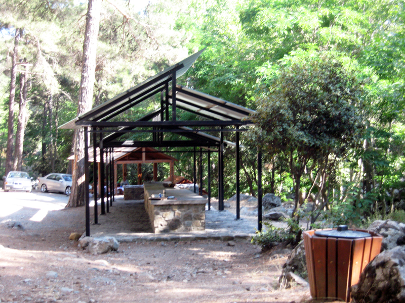 Пикник на Кипре. Тродос