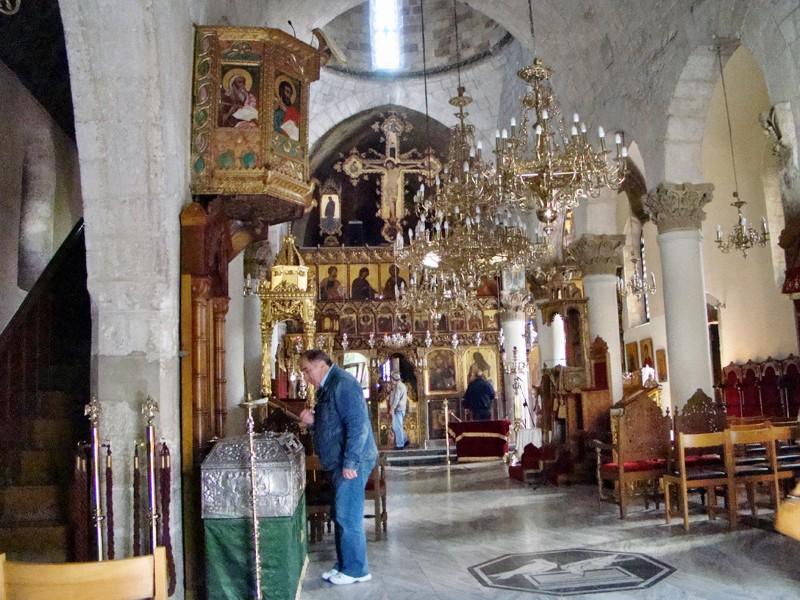 Внутри церкви
