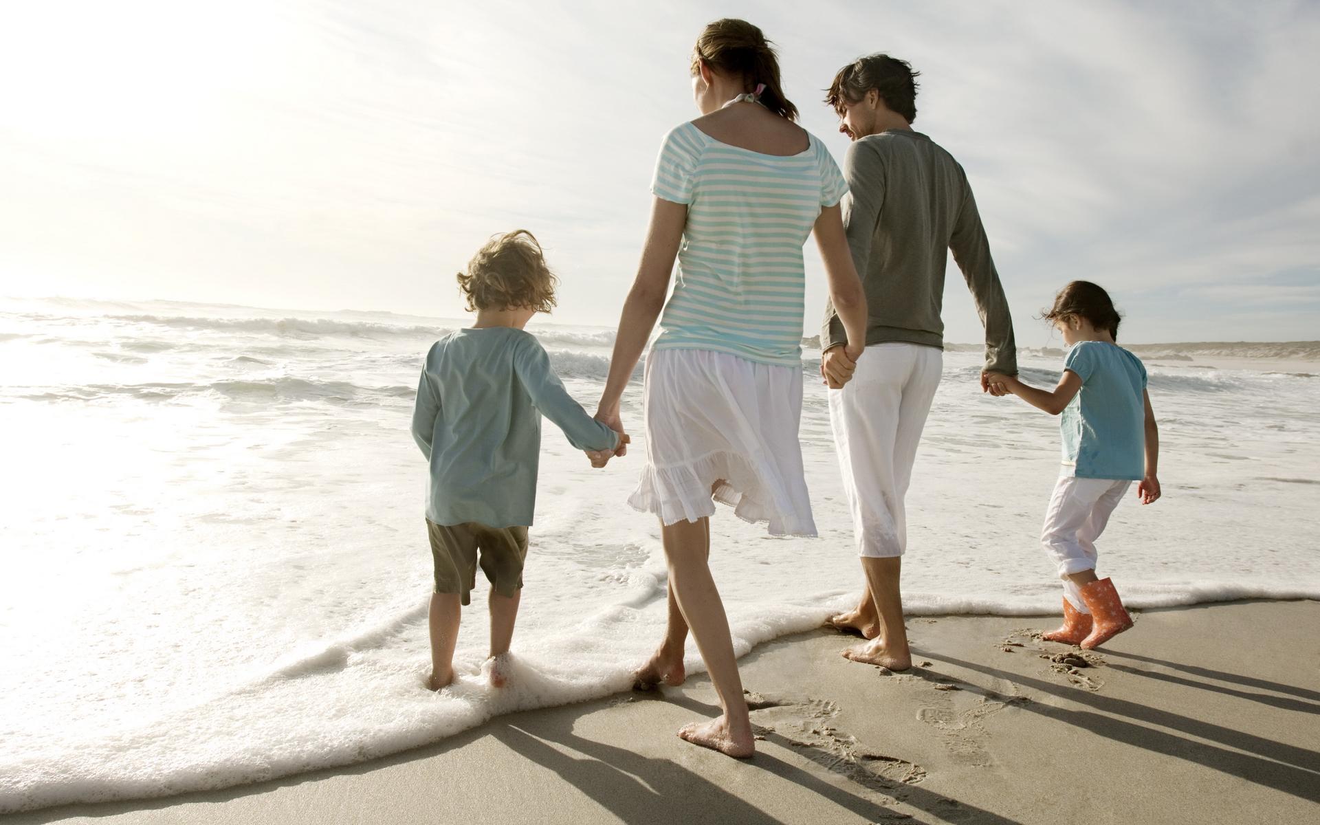 Семья на Кипре