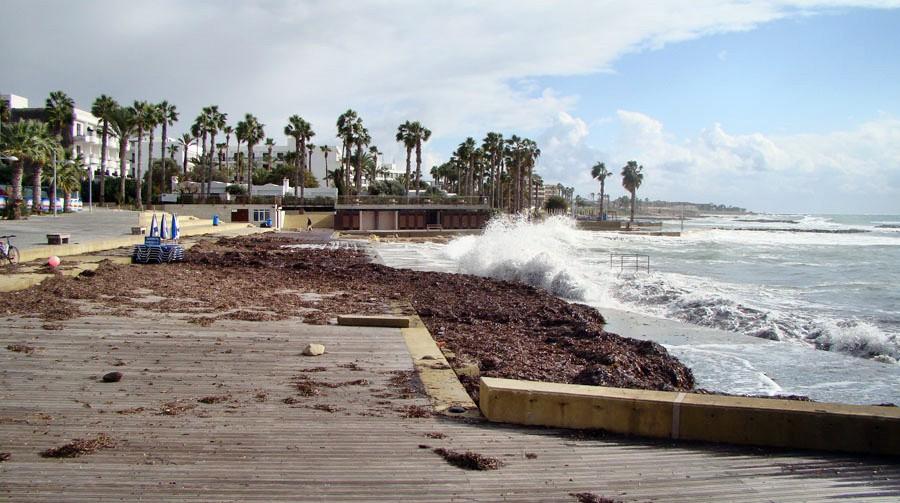 Кипр в ноябре. Шторм