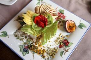 Десерт Павлова в ресторане The Garden