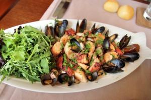 Салат из морепродуктов «Провансаль»  в ресторане The Garden