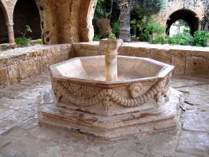 фонтан XVI века в Айя-Напе