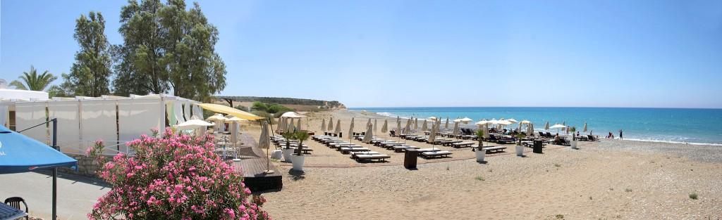 Пляж Zias Beach в Авдиму
