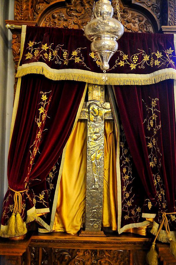 Крест в монастыре Омодоса