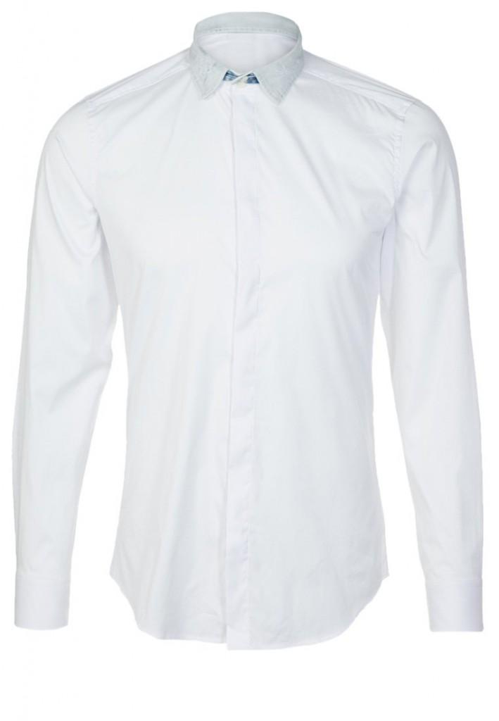 Однотонная классическая мужская рубашка