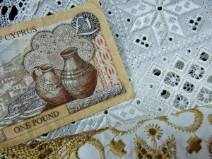 Lefkarian lace adorned the 1 pound banknotes