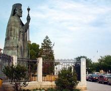 Статуя архиепископа Макариоса