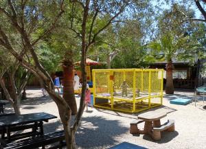 Верблюжий парк в Мазотосе, детская площадка