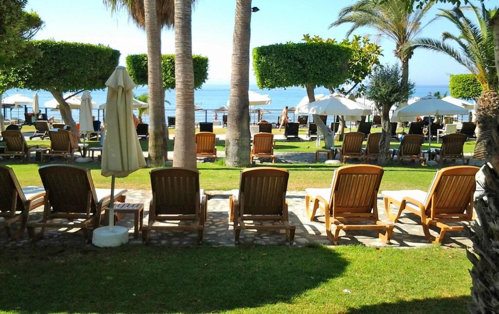 Отель Elias Beach 4*