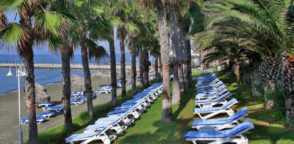 Отели Лимассола: St.Raphael 5*, Elias Beach 4*, Grand Resort 5*