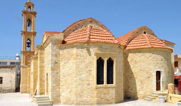 Деревня Менико. Церковь Киприана и Иустины