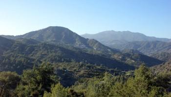 Участок земли в деревни Прастио