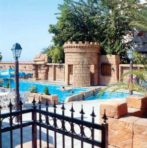 Отель Crusader Beach