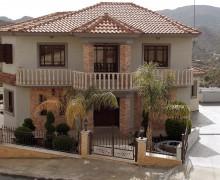 Дом в деревне Дьерона