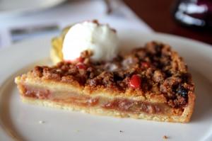 Apple pie в ресторане Minthis Hills Clubhouse