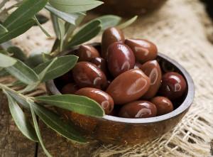 Темные оливки