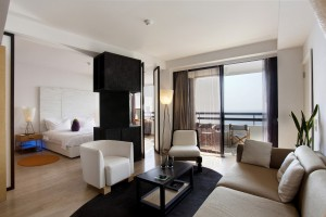 Номер Suite с видом на море в отеле Londa