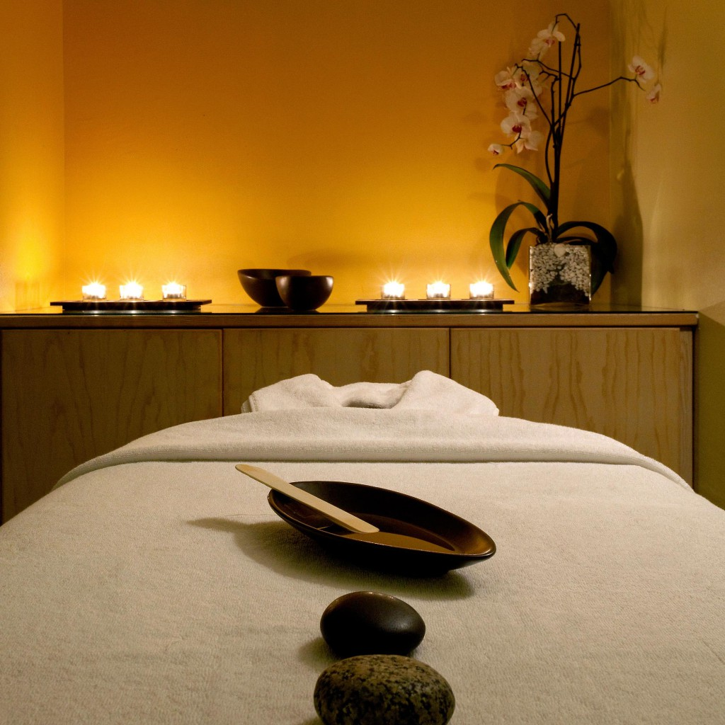 Комната для массажа спа-центра отеля Londa