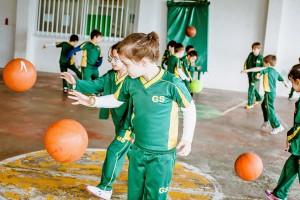 Урок физкультуры в Grammar School Junior