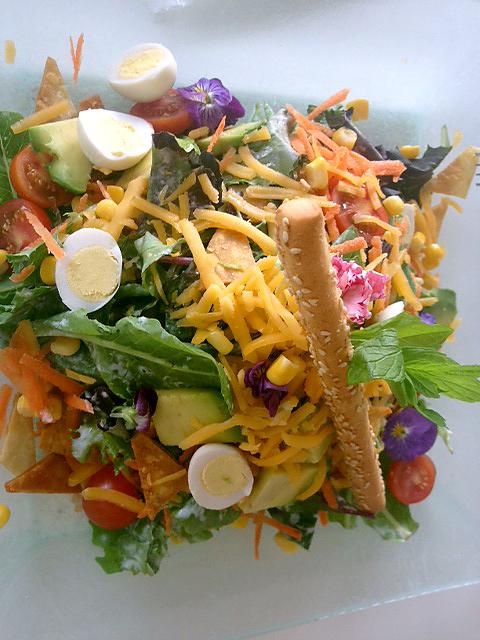 Салат в ресторане Muse