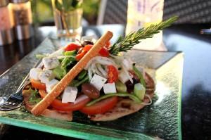 Греческий салат в ресторане Muse
