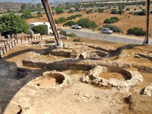 Рскопки в деревне Калавасос