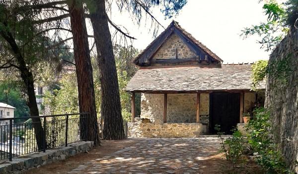 Деревня Калопанайотис. Монастырь Святого Иоанна Лампадиста.
