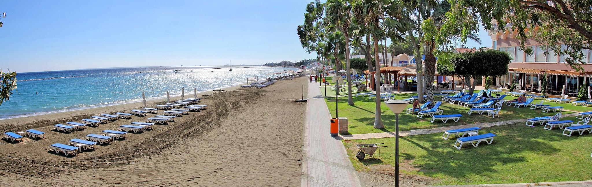Пляж отеля Poseidonia