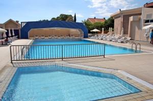 Бассейн отеля Poseidonia