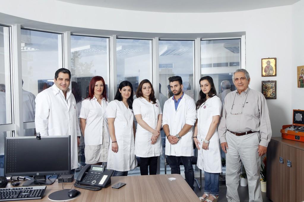 Сотрудники медицинской лаборатории Yiannoukas