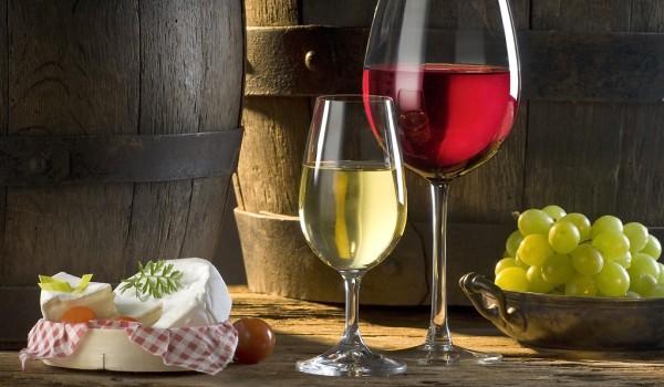 Как правильно сочетать кипрские вина с едой: белые и розовые вина
