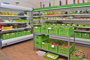 Овощной отдел магазина Etherio Bio Stores