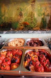 Шведский стол в кафе домашней грузинской кухни Julietta Sweets