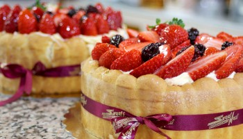 Торт кондитерской Sweet Nest