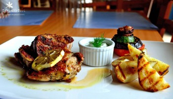 Курица на гриле в ресторане To Katoi