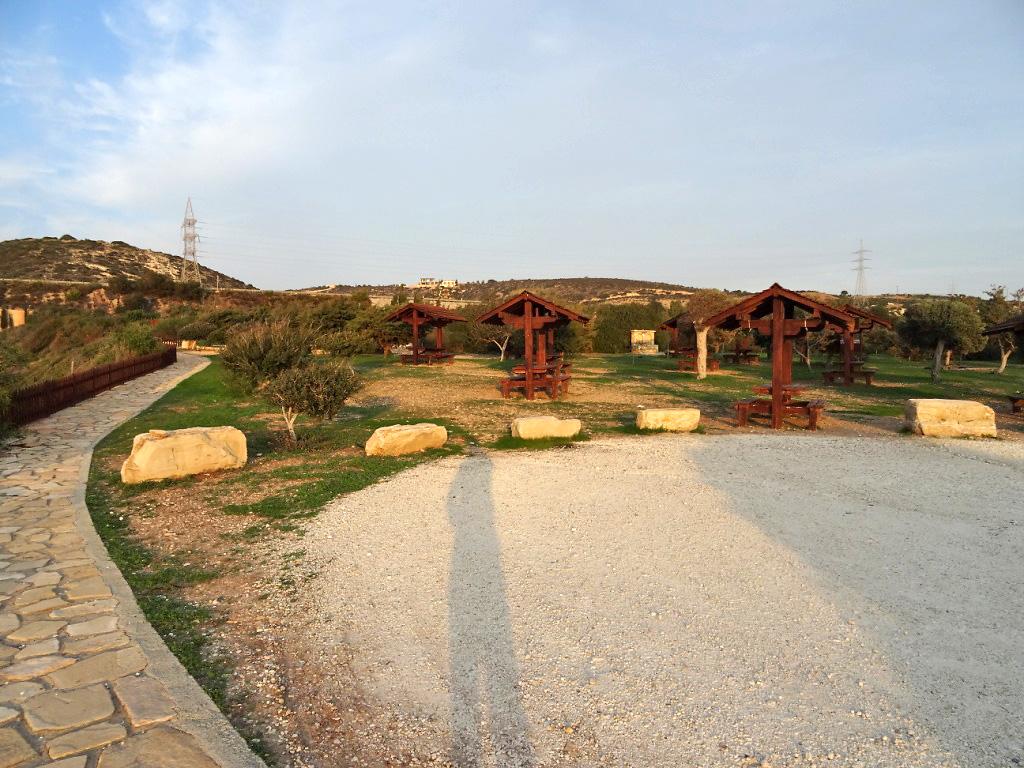 Территория для пикника у курорта Aphrodite Hills