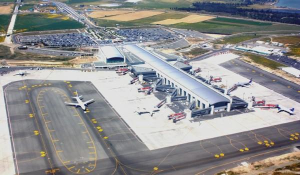 Аэропорт Ларнаки принимает рейсы, направлявшиеся в Ливан