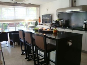 Вилла класса люкс в Лимассоле - кухня