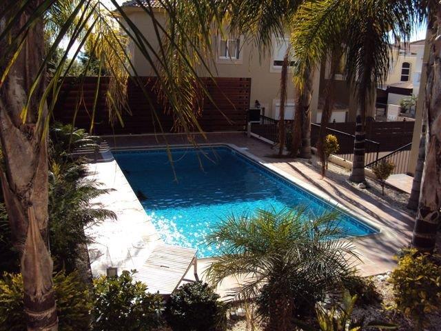 5-спальная вилла в Лимассоле - бассейн