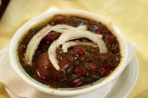 Мясное рагу – «хориш» в персидском ресторане Ilia