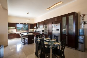 Элитная вилла с 7 спальнями в Протарасе - кухня