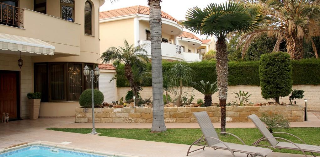 """4-спальная вилла с бассейном рядом с отелем Four Seasons в Лимассоле <span style=""""color: #00ccff;"""">(sale-136)</span>"""
