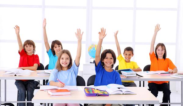Школьникам из малоимущих семей возвратят деньги за аттестаты и экзамены