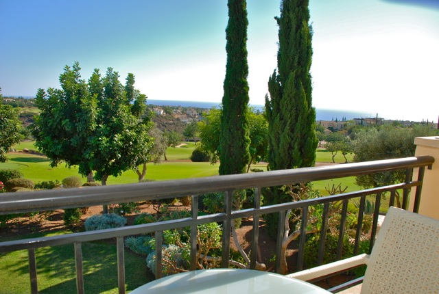 Двухкомнатная квартира с видом на гольф-поля
