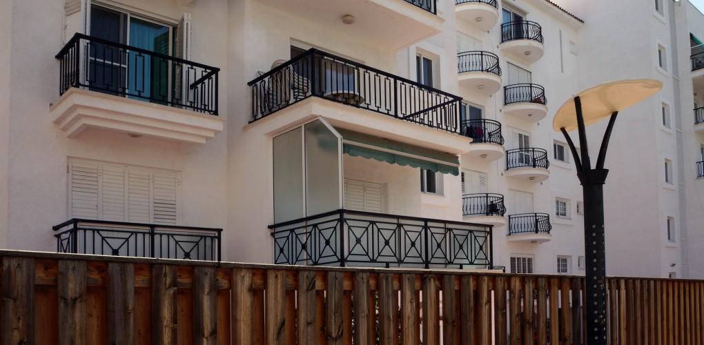 """Квартира в Лимассоле с 2 спальнями в доме около пляжа <span style=""""color: #00ccff;"""">(sale-144)</span> <span style=""""color: #ffff00;"""">ПРОДАНО</span>"""