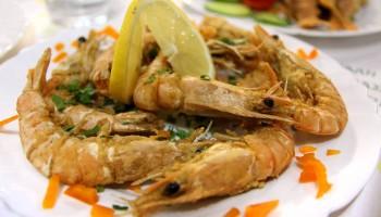 Креветки в рыбной таверне Gold Lemon