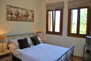 Апартаменты Ergates с 3 спальнями и собственным участком в «Афродайт хиллс»