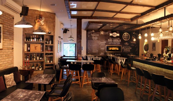 Bistro Boulevard & Wine Bar