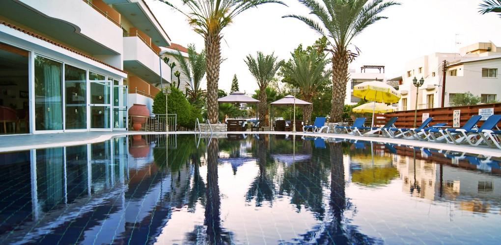 Moniatis Hotel 3*